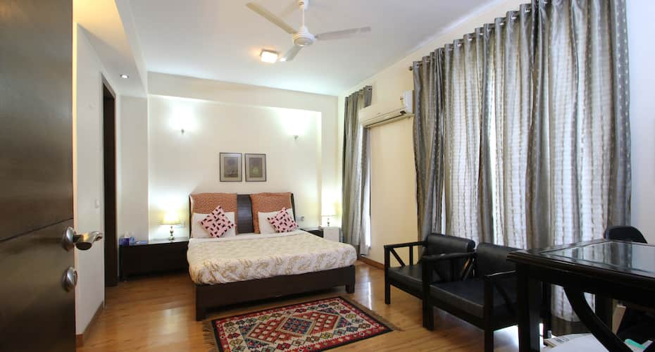 Perch Service Apartment - Sector 40, Cyber Park,