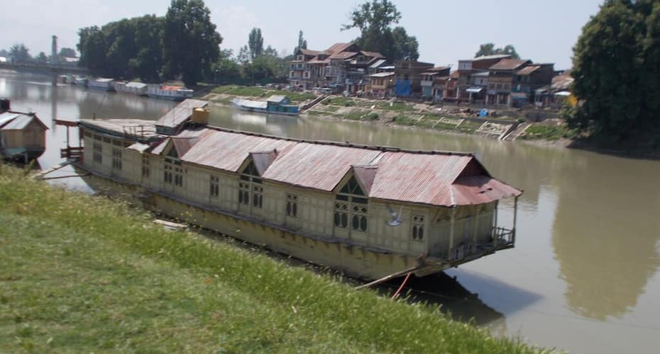 Houseboat Shining Star, Jhelum River,
