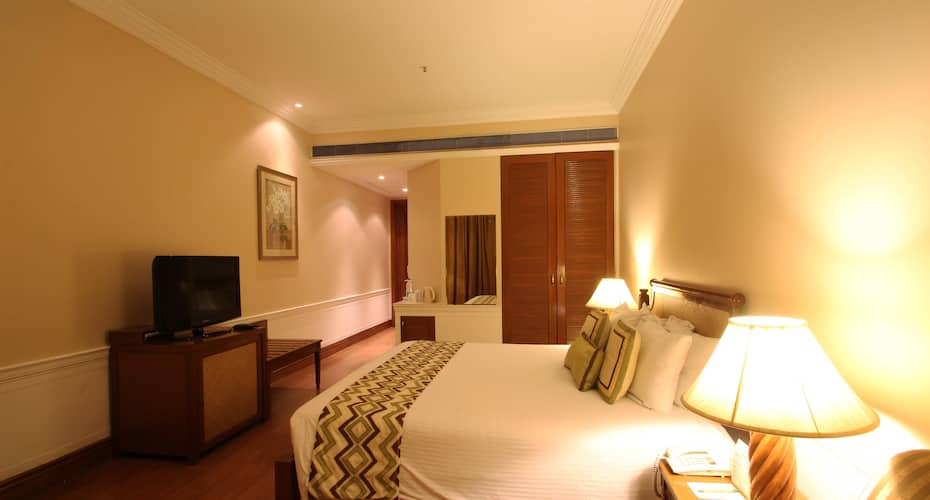 DLF City Club Phase IV, DLF Phase IV,