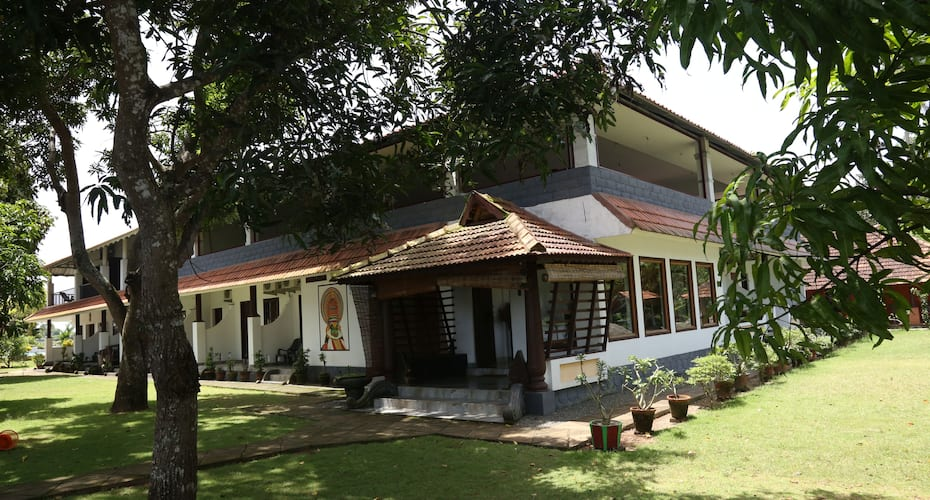 Green Palace Health Resort, Chempumpuram,
