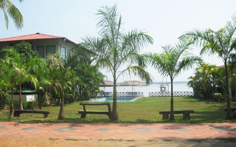Lake Symphony Resort, Chathamma,