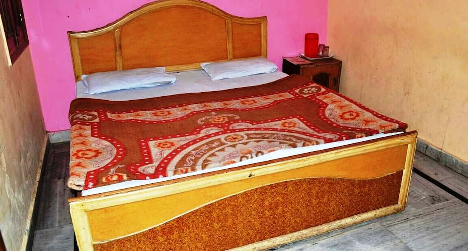 Hotel Maheswar Palace, Upper Road,