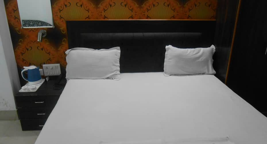 Hotel Surya Sunshine Continental, Airport Road,