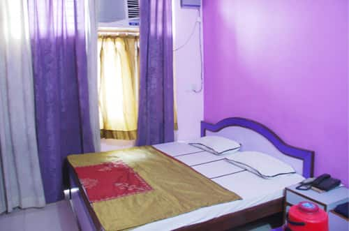 Hotel Samundra, Station Road,
