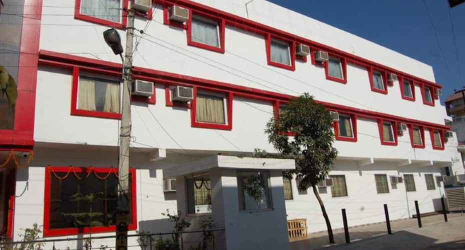 Hotel The Pariwal, Shanti Kunj,