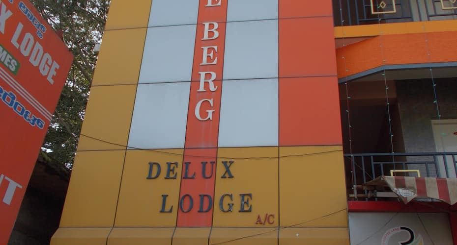 Ice Berg Deluxe Lodge, NA,