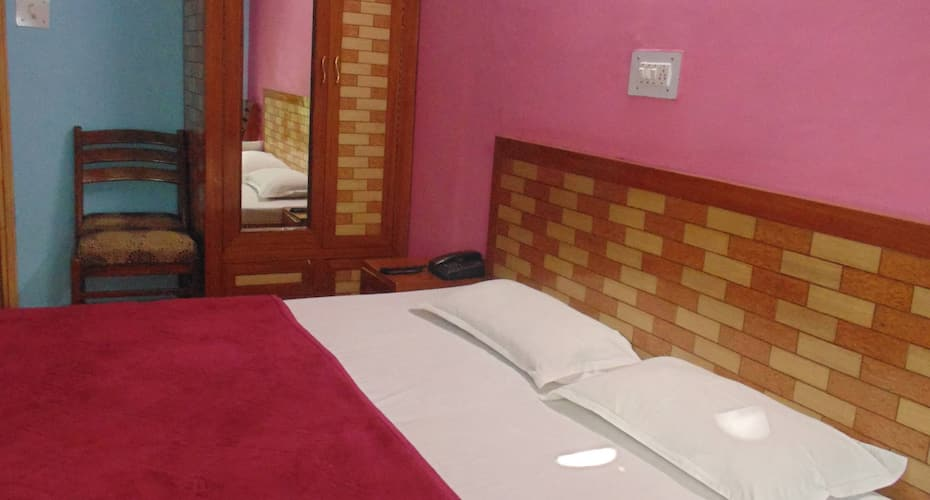 Hotel Prashant, Mall Road,
