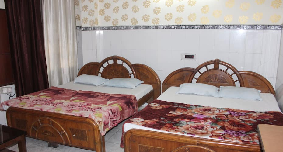 Shri Ganesh Guest House, none,