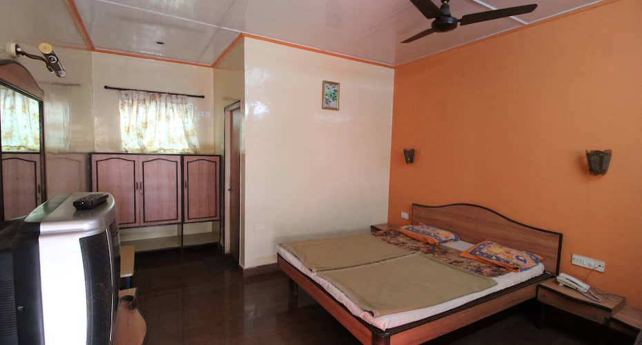 Randeep Lodge, Bund Garden Road,