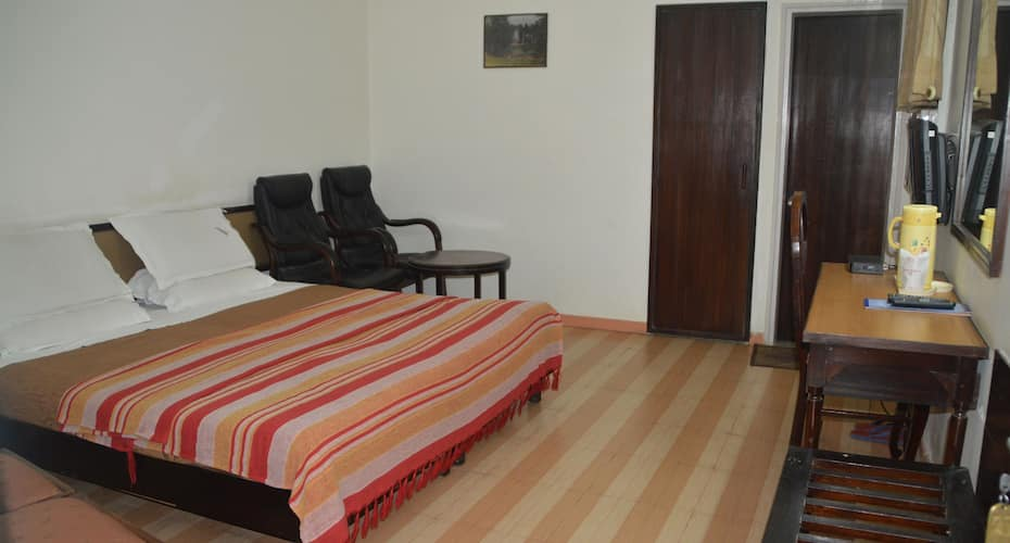 Jagdamba Hotel, Near City Centre,