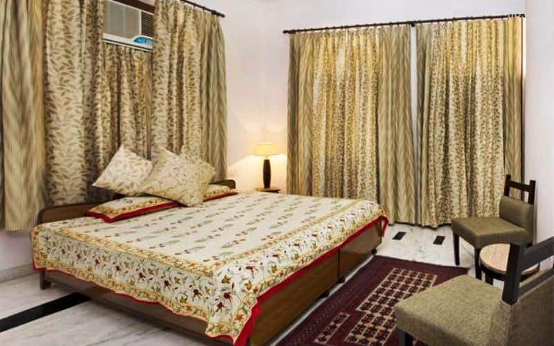 Hotel Pink City & Guest House, Ajmer Road,