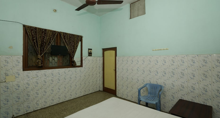 3 Star Guest House, none,