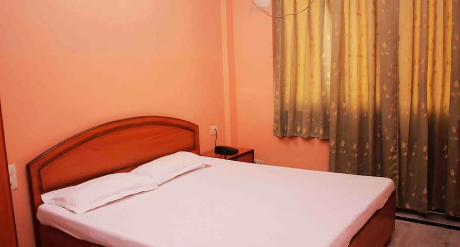 Hotel Mahendra, Station Road,