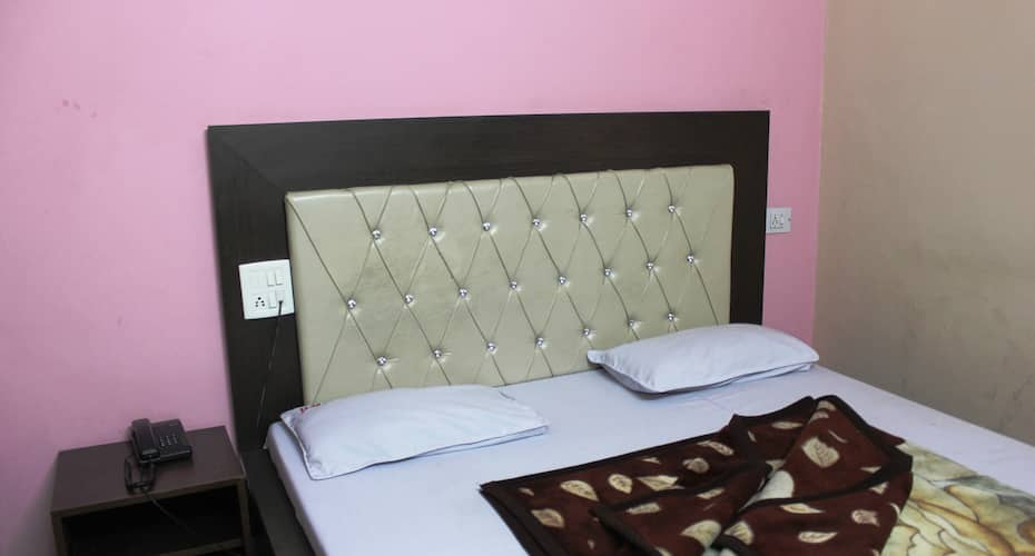 Hotel Mayur Classic, Clock Tower Road,