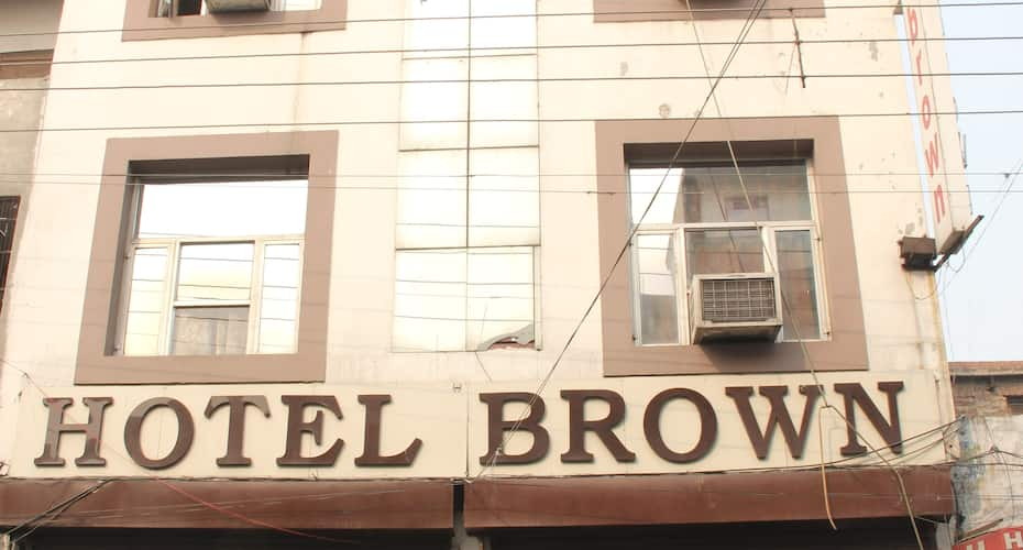 Hotel Brown, Clock Tower Road,