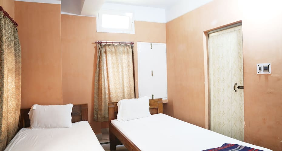 Hotel City Plaza, Gandhi Road,