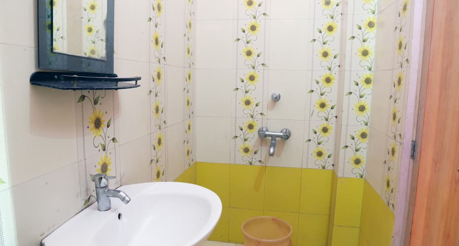 Hotel Aastha, Digha - Book this hotel at the BEST PRICE only