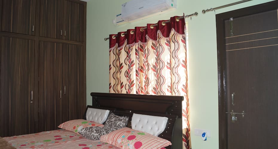 Home Touch Serviced Apartments HYDERABAD, Gachi Bowli,