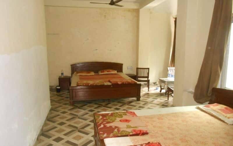 Highland Inn Hotel, Ferozepur Road,