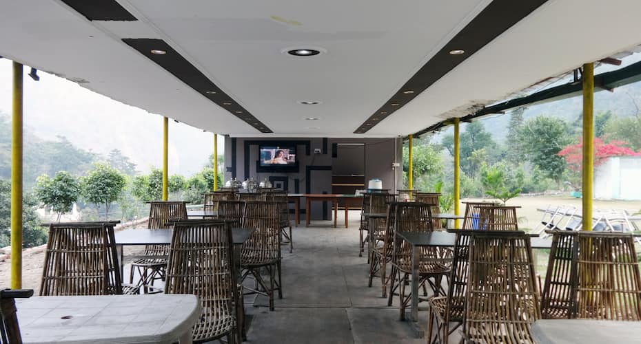 Palm Holiday Inn Bar and Resort, Shivpuri,