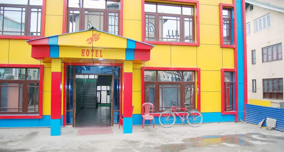 Hotel Rose Inn, Nishat,