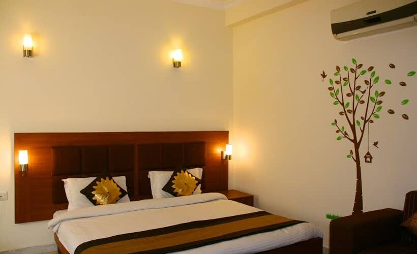 Spoontree Boutique BnB, DLF Phase I,