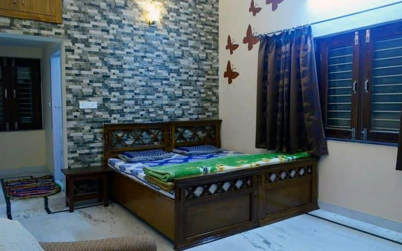 Gharaunda Guest House, --None--,