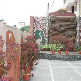 Charans Guest House, Indra Nagar,