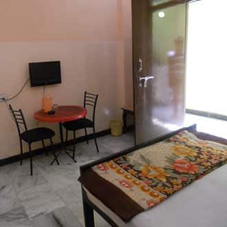 Tourist Home Lodge, Nampally,