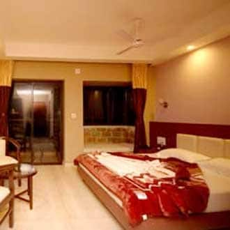 Hotel Sanjay Royal, Station Road,