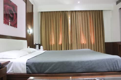 Hotel Raj Continental, Court Road,