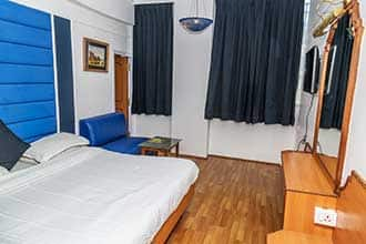 Nahar's Residency Hotel, Charring Cross,