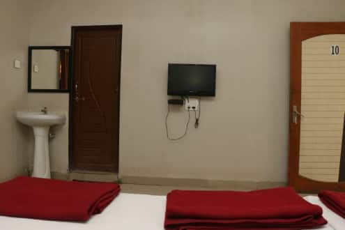 Hotel Padmavati, Station Road,