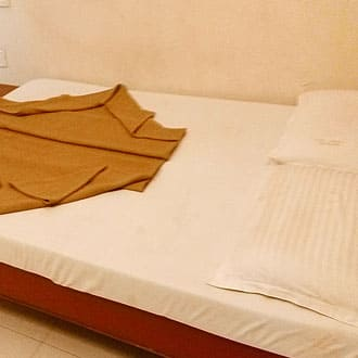Hotel Imperial Deluxe Lodge, Sayyaji Rao Road,