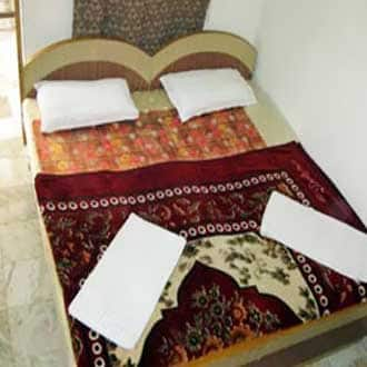 Hotel Saniya, Railway Road,