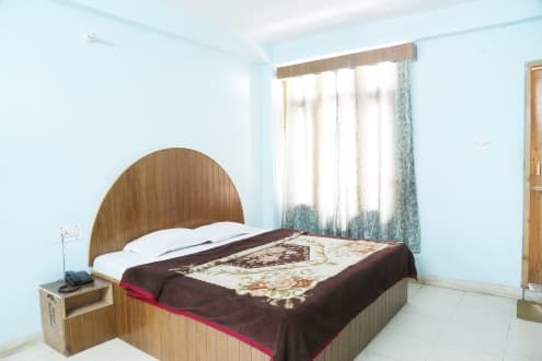 Hotel Suraj, Mall Road,