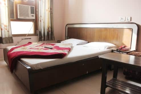 Hotel Aaditya Heights, Near Golden Temple,