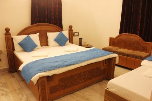 Hotel MK Sood, Near Golden Temple,
