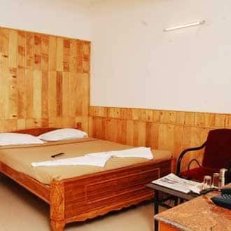 Town Country Guest House, Lawsghat Road,