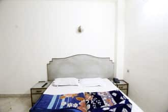 Hotel The Karlo Kastle, Paharganj,
