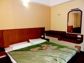 Hotel Silver Springs, Lawsghat Road,