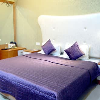 New Tourist Hotel, Manu Marg,