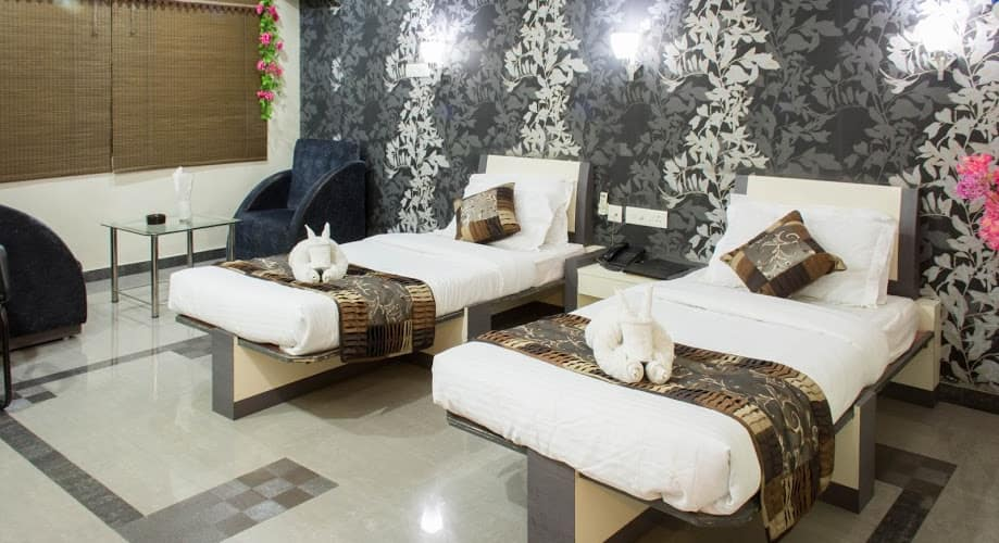 Vora Corporate Inn, Sadar Bazar,