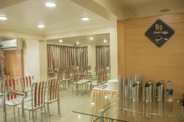 Hotel Orchard, Apte Road,