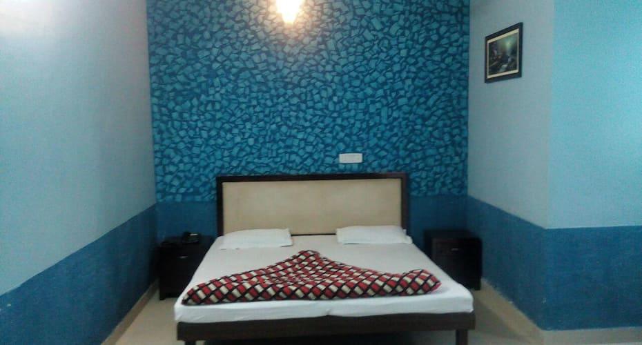 Hotel Siti Castle, Shastri Market,