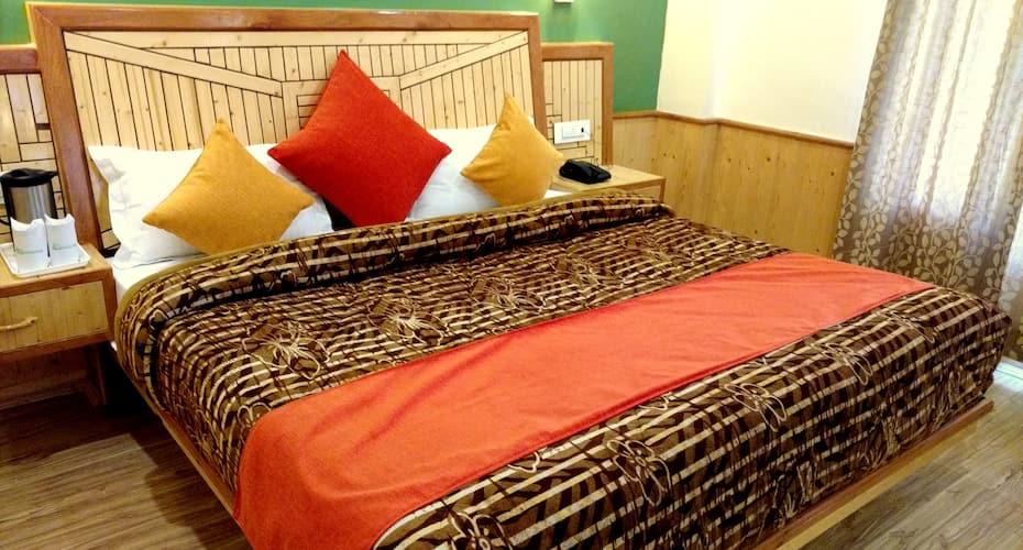 Gezellig Inn - Tree Hill Cottages & Kanyal Villas, Kanyal Road,