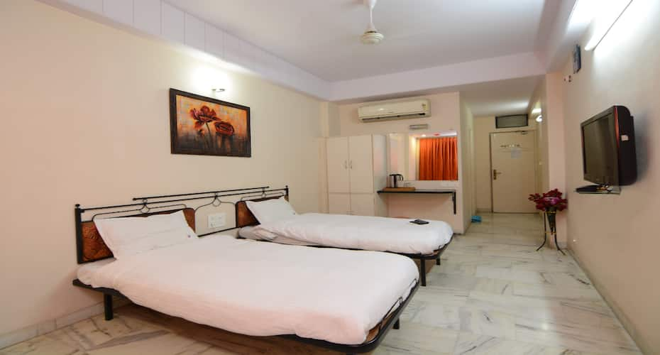 Hotel Vrandavan, NEAR VIJAY TALKIES,