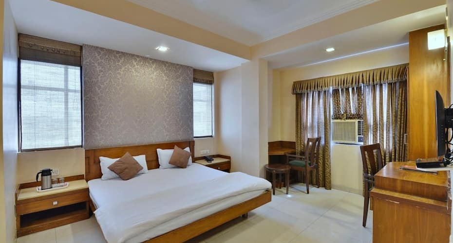 Hotel G-Shy, MP Nagar,