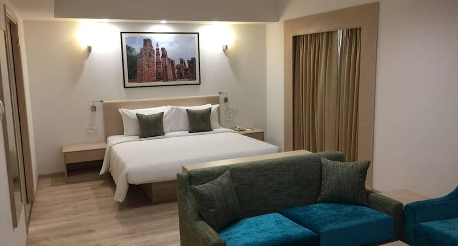 Red Fox Hotel Sec 60, DLF Phase I,
