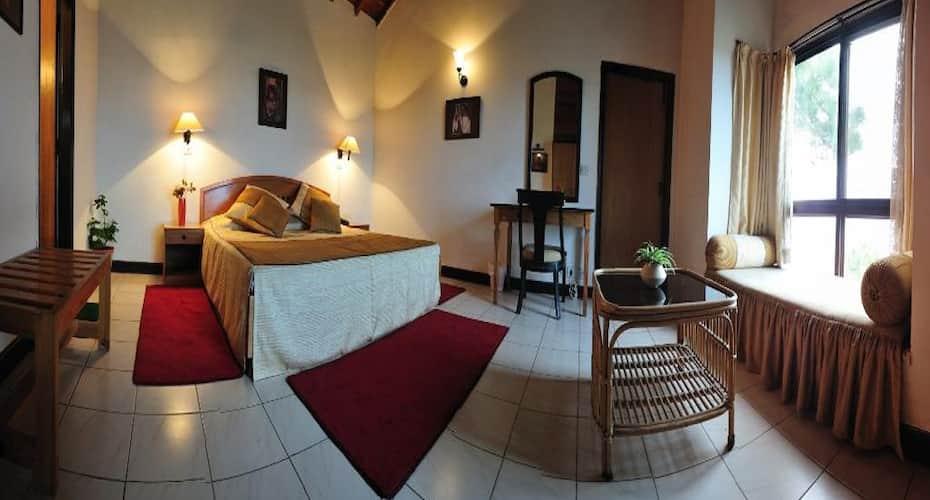 Woodsvilla Resort Ranikhet, Majkhali,